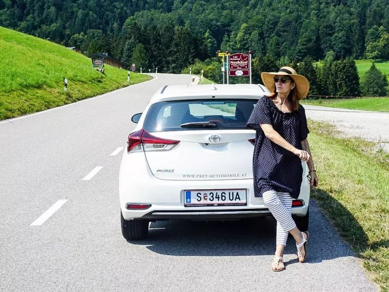 weißer Toyota Auris 1,33 5 Active