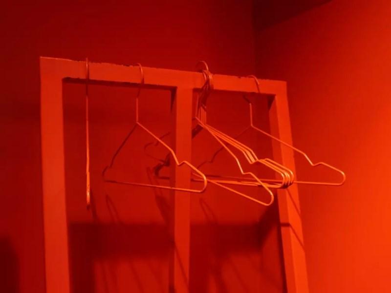 Kleiderständer im Maneki Neko