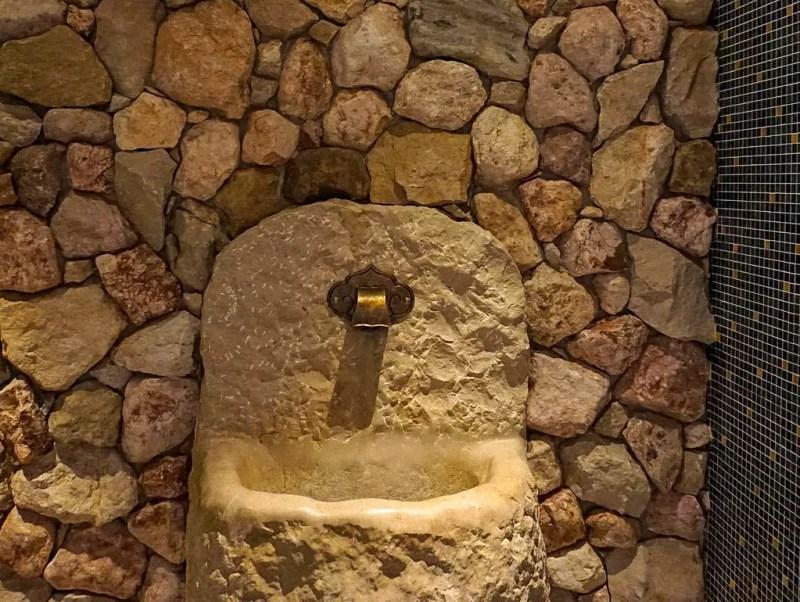 Brunnen im Spabereich