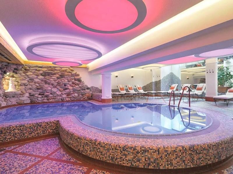 Indoor Pool im Löwe Leogang