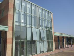 Terni Est la vetrata della palazzina della prima circoscrizione