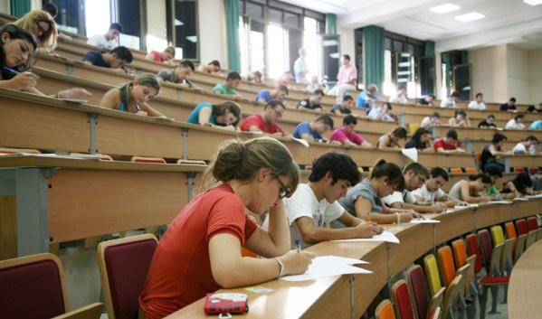 Foto: Junta de Andalucía. El 92,66% de los estudiantes que se matricularon el pasado año en la PEvAU de junio de 2017 aprobó.