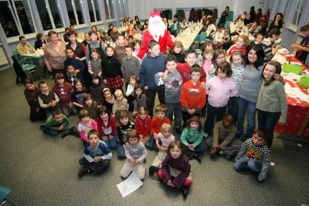 Les enfants des mercredis et samedis récréatifs ainsi que ceux du périscolaire ont été invités pour cette grande fête de Noël !