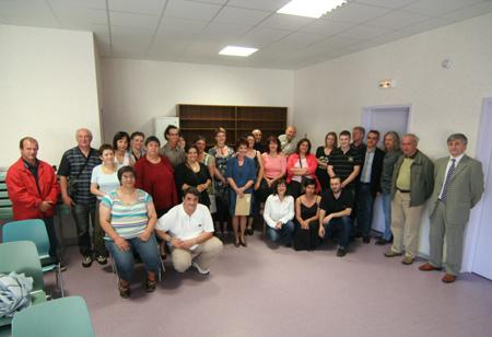 Les participants à la première Assemblée Générale de l'ACS Loisirs et Vacances, en Juin 2008