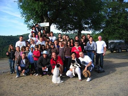 Les enfants, les animateurs de l'ACS Loisirs et Vacances et ceux de la Taillade réunis pour une dernière photo ...