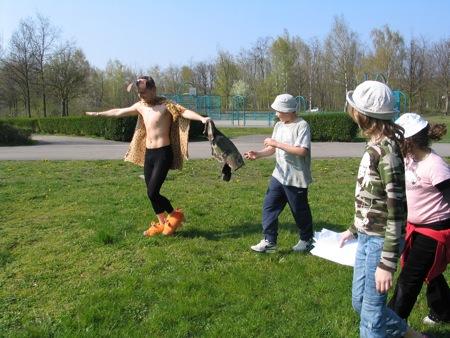 Le fameux lapin de la coulée verte libéré par les enfants !