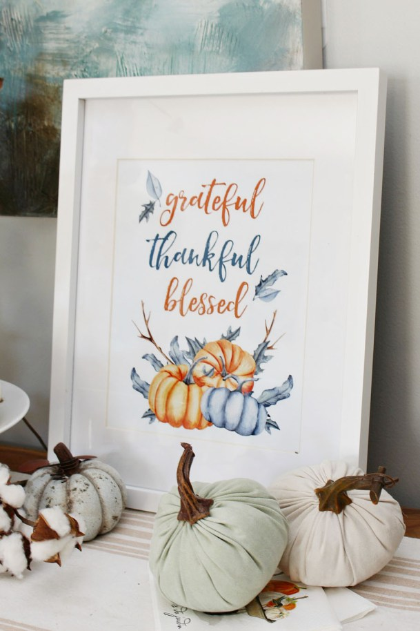 Cute free fall printables perfect for Thanksgiving or your fall decor!