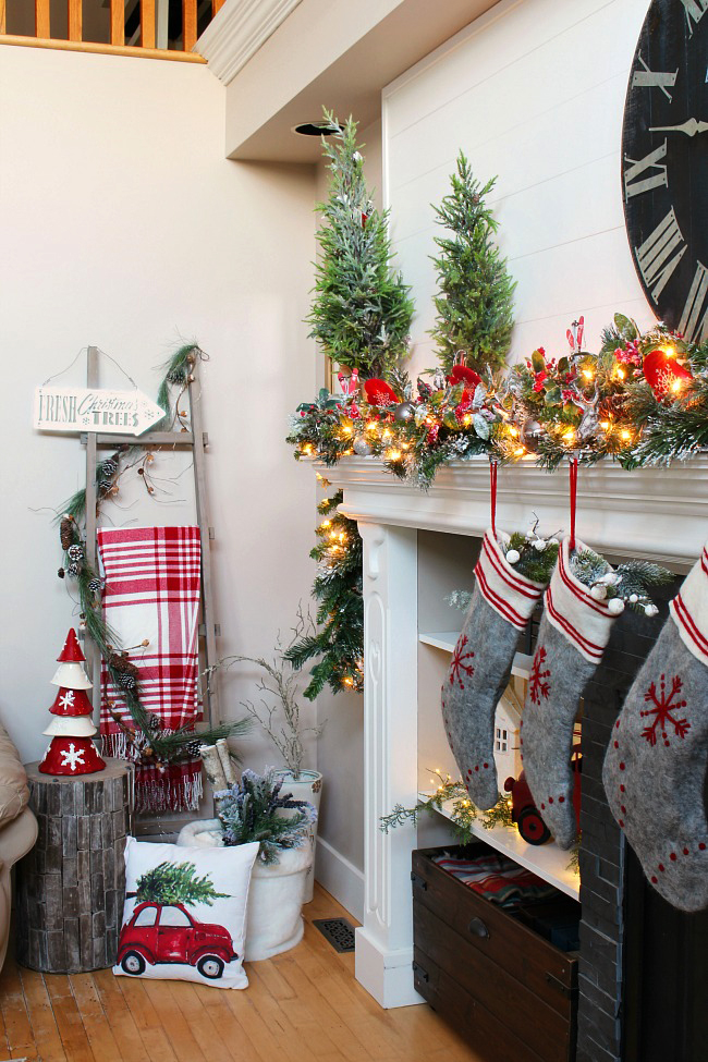 Pictures Of Christmas Mantel Decorations