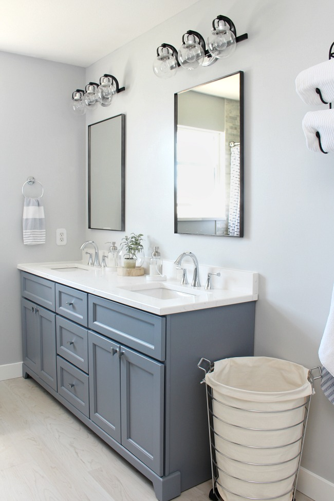 Declutter The Bathroom 20 Items To Get Rid Of Now Clean And Scentsible