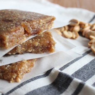 Peanut Butter Laura Bars