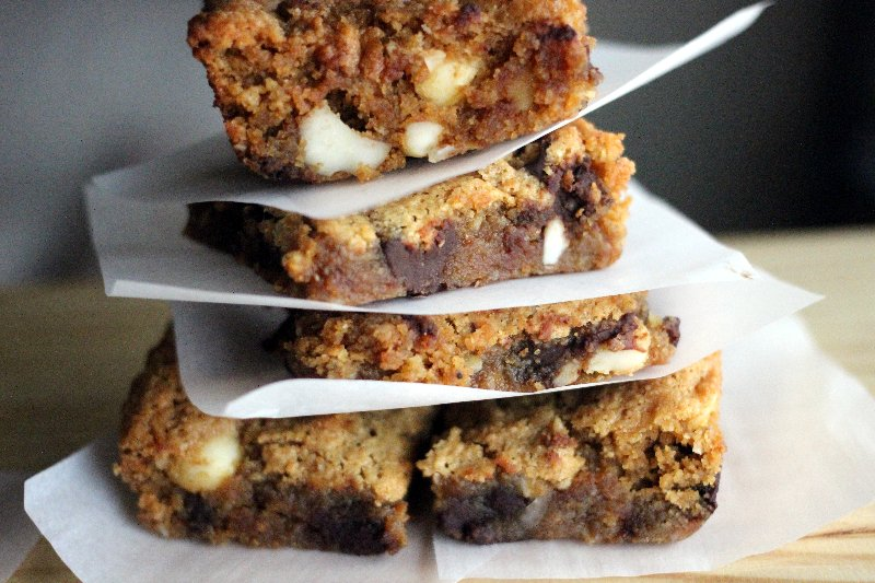 Almond Flour Freckled Blondies