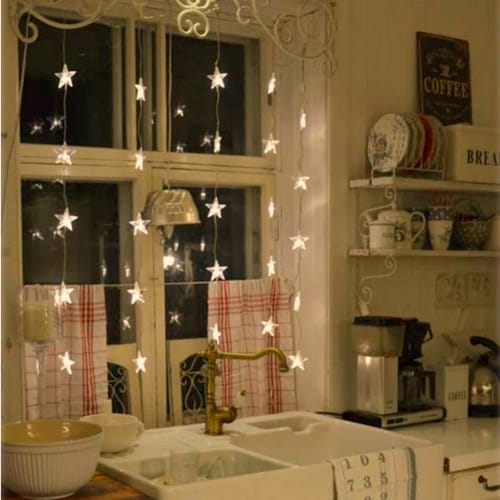It's amazing what a simple sting of fairy lights can do to transform a room!