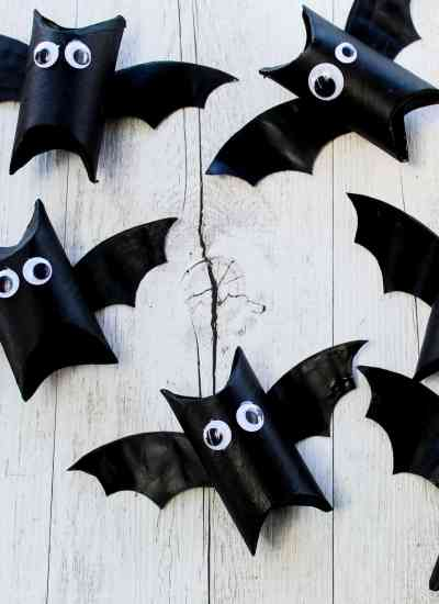 toilet roll bat - DIY Halloween treat boxes