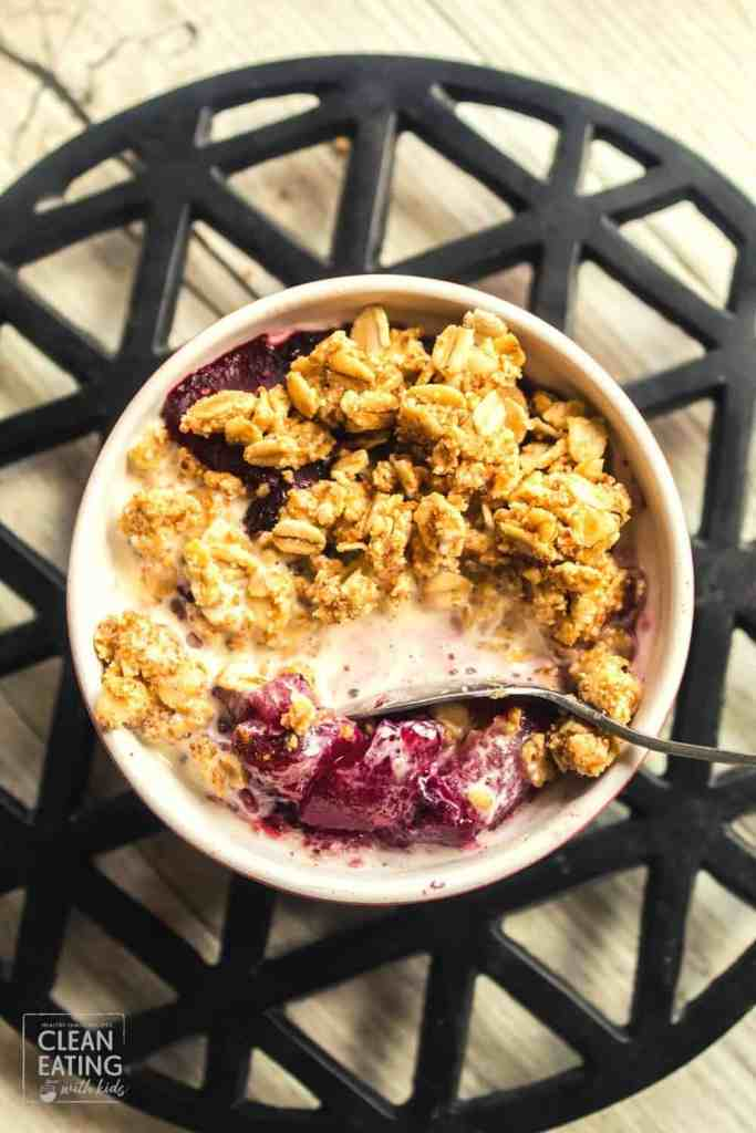 Clean Eating Apple Blueberry Crumble