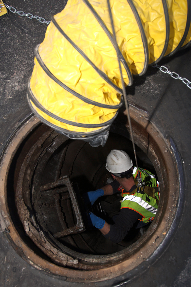 10 Photos of Proper ConfinedSpace Entry Work  Cleaner