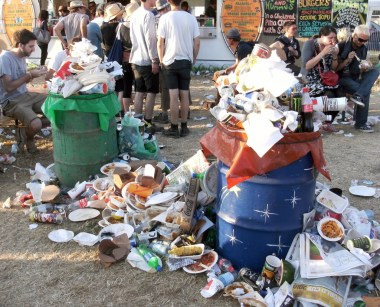 overflowing-bins-glasto-1024x827