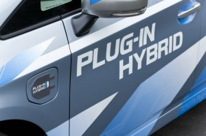 Toyota Expands Hybrid Car Models
