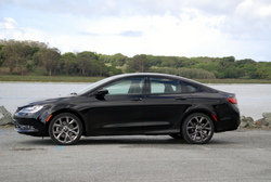 Chrysler,200,sedan,AWD,fuel economy