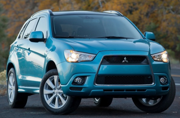 Comparison Road Test: 2014 Mitsubishi AWD Choice: Compact Crossover or Compact Sedan