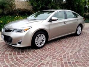 Toyota,Avalon,Hybrid,MPG,fuel economy