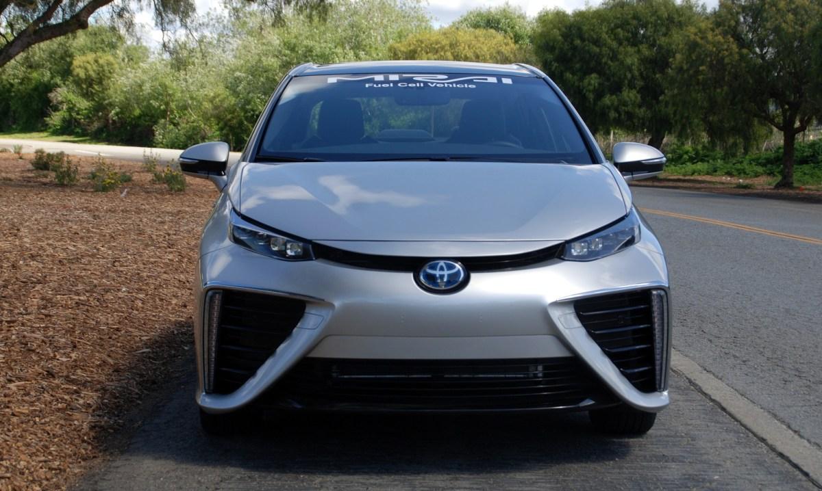 2016 Toyota,Mirai fuel cell,hydrogen,electric car