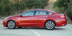 2016,Nissan Altima,2.5L,CVT,style,handling