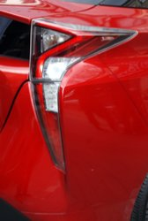 2016,Toyota,Prius,styling,mpg