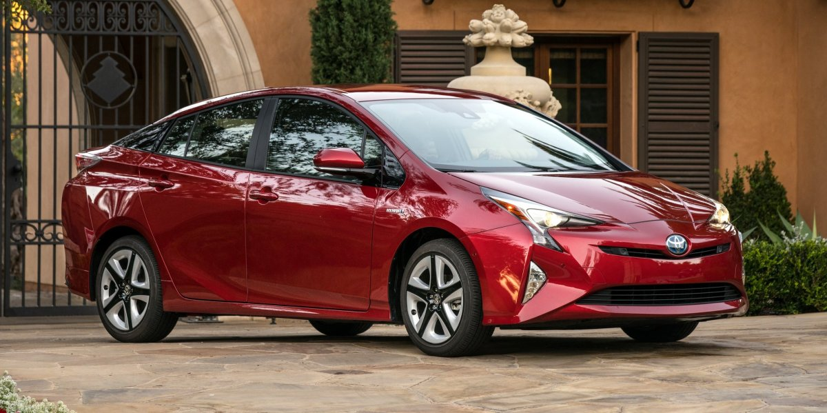 2016_toyota_prius_four_touring_01_aaf3db5f2b355991bfed40260a08d0b3a9efbed5-1