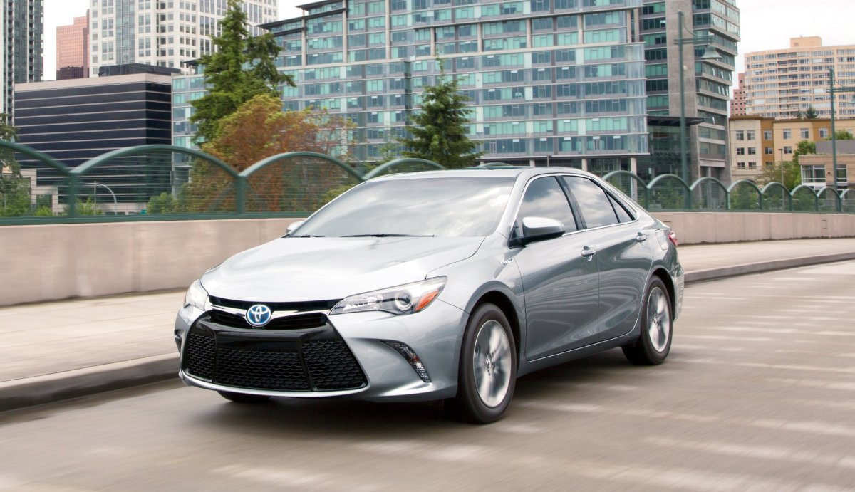 2017_Toyota_Camry_Hybrid