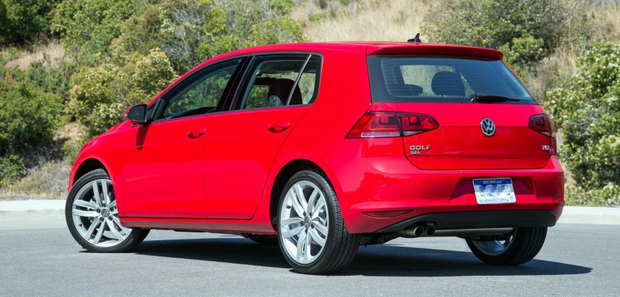 road test 2017 volkswagen golf tsi clean fleet report. Black Bedroom Furniture Sets. Home Design Ideas