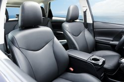 2017 Toyota Prius V,interior