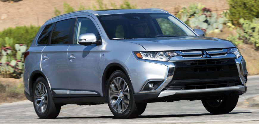 road test 2017 mitsubishi outlander clean fleet report. Black Bedroom Furniture Sets. Home Design Ideas