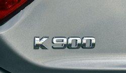 2017 Kia K900, badge