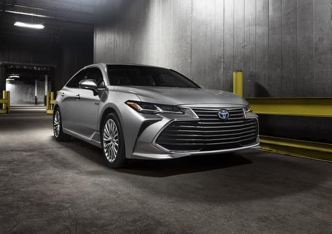 2019_Toyota_Avalon Hybrid