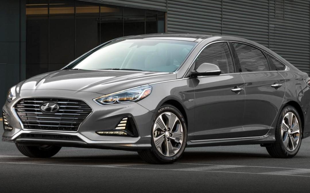 News: 2018 Hyundai Sonata Hybrids Bring Some Green to Chicago Auto Show