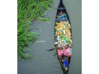 Paralysed man who cleans Vembanad Lake honoured in Taiwan