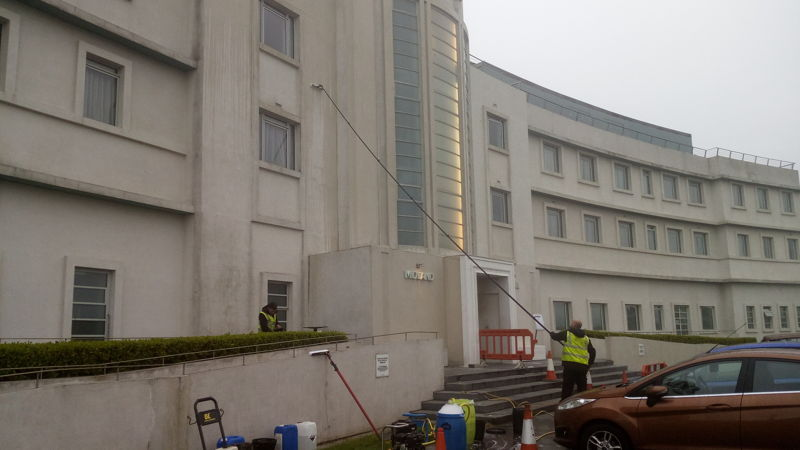 image OF RENDER CLEANING COMPANY GLASGOW SCOTLAND WWW.CLEANING-SERVICE.UK.COM
