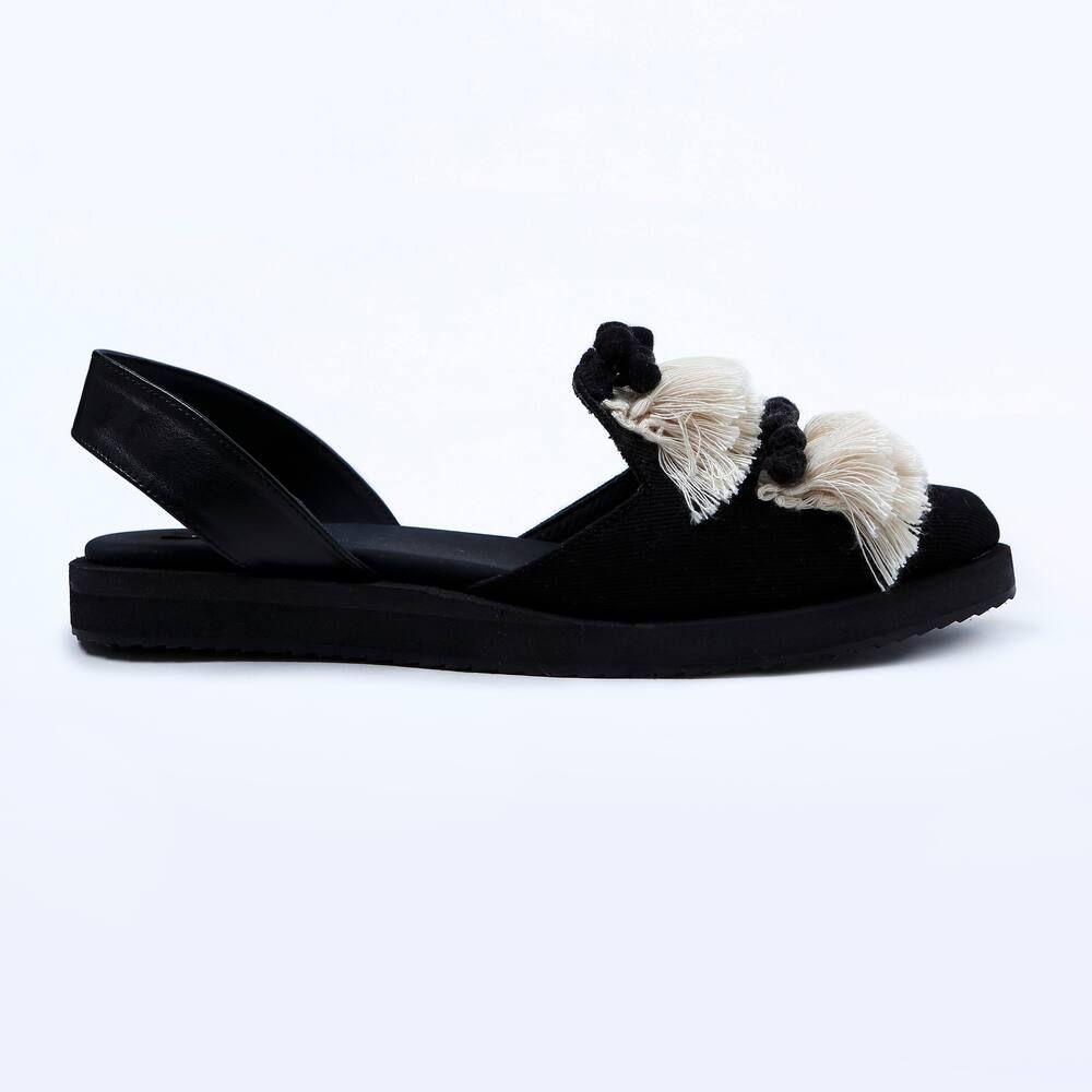 Giày nhung là gì? Làm sao để vệ sinh giày nhung sạch đẹp như mới?