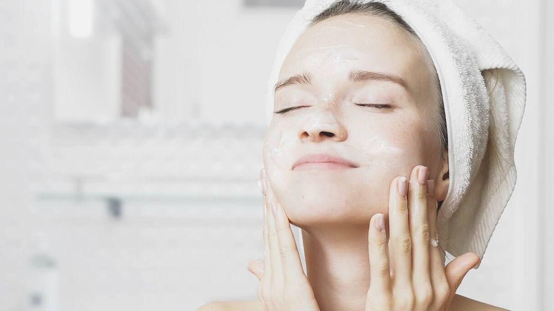 Bí quyết khử mùi ẩm mốc cho khăn mặt luôn thơm tho
