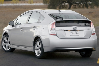 https://i0.wp.com/www.cleanmpg.com/photos/data/616/05_10_Prius.jpg