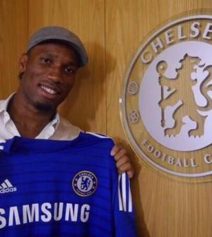 7acbb6cf1 Chelsea has re-signed 36-year old striker Didier Drogba on a free transfer  after he left Turkish Süper Lig side Galatasaray at the end of last season.