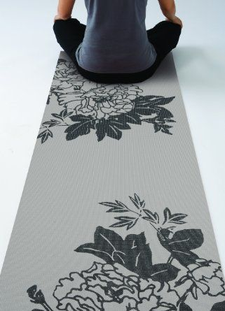 features-gaiam-yoga-mat