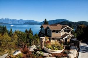 lakeside-house