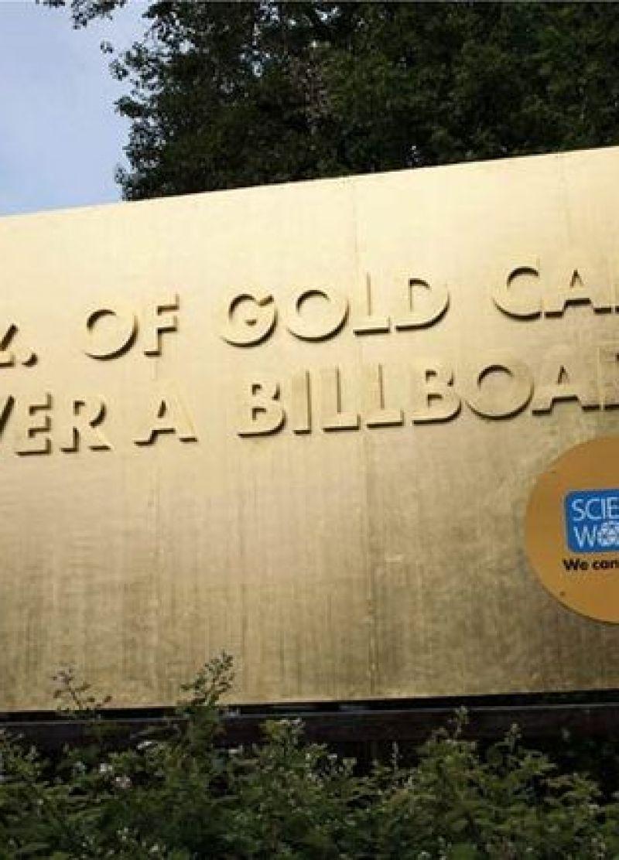 Reclamebord met een feit over goud