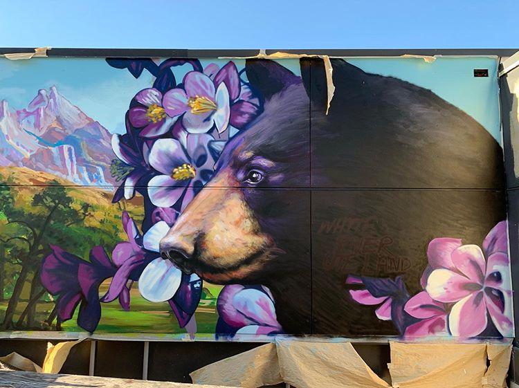 091 001 beer op een muur