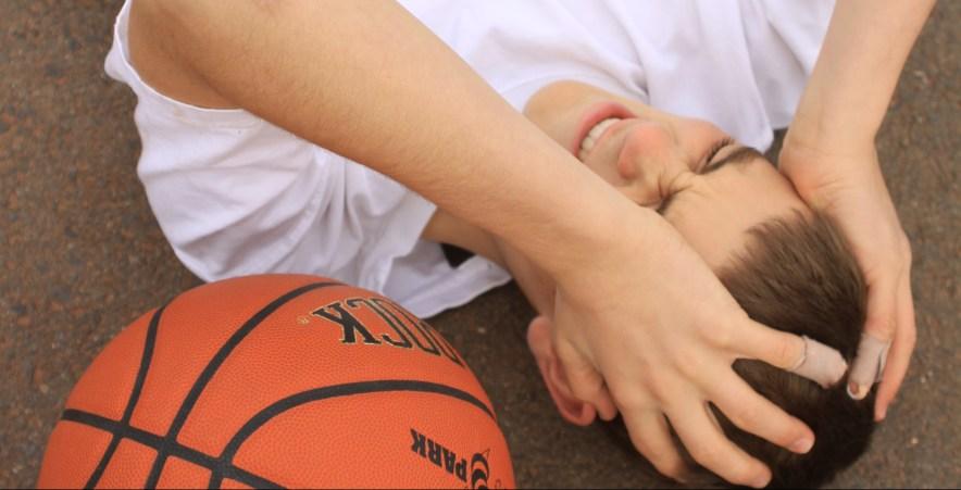 concussion risk prevention symptoms