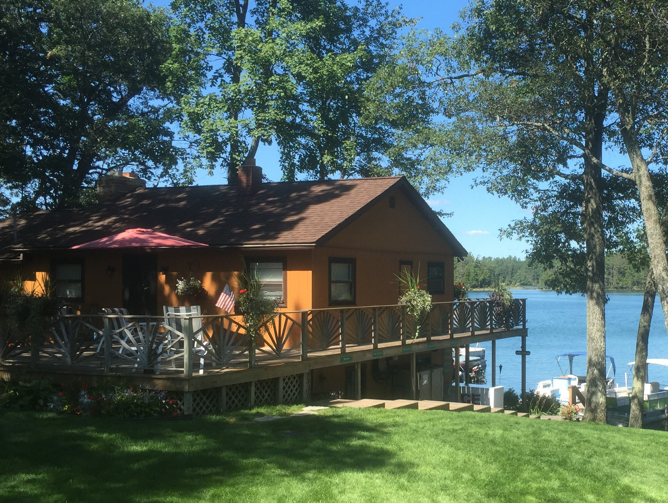Clear lake Resort Michigan Lodging Family Vacation Resort