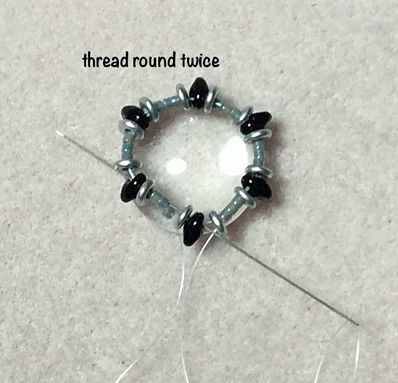 Cabochon- How To Bead Bezel with Superduo and O-Beads