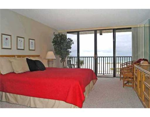 Clearwater Beach Condos for Sale - master bedroom on gulf of mexico
