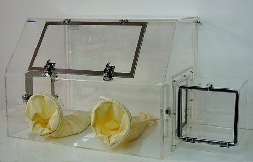 Glovebox with front Door – Cleatech